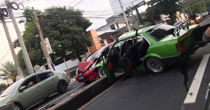 Fuerte accidente deja 3 lesionados en Avenida Jerusalen