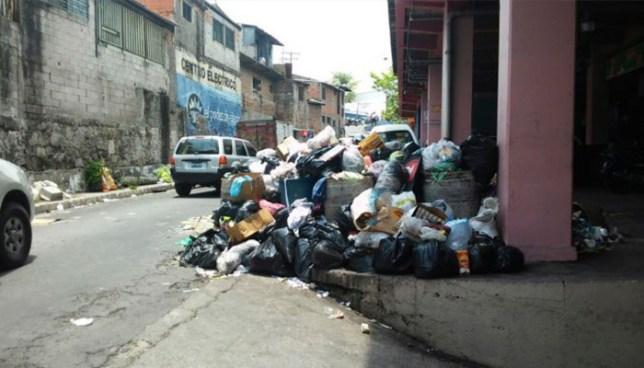 Habitantes de Ciudad Delgado denuncian promontorios de basura en distintos puntos del municipio