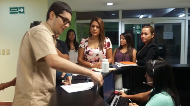 Diputada Maytee Iraheta niega haber entregado medicamentos vencidos