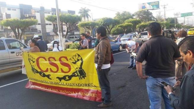 Sindicalistas cierra el Bulevar de Los Héroes en protesta por pensiones