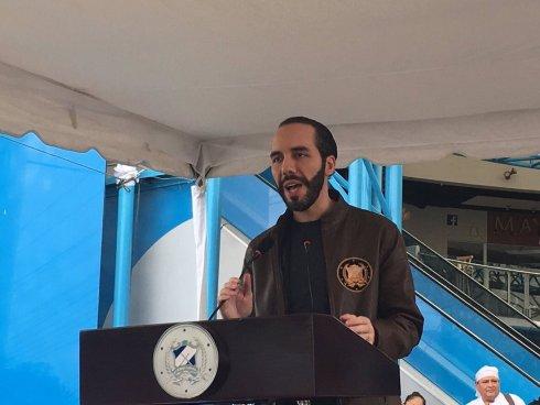 Nayib Bukele se siente sorprendido que Ernesto Muyshondt sea candidato por la alcaldía de San Salvador