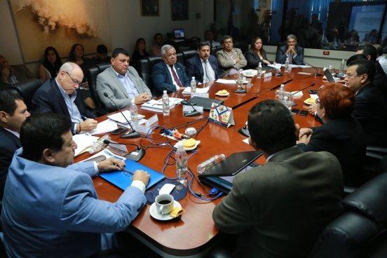 Asamblea Legislativa analiza qué hacer con pandilleros deportados