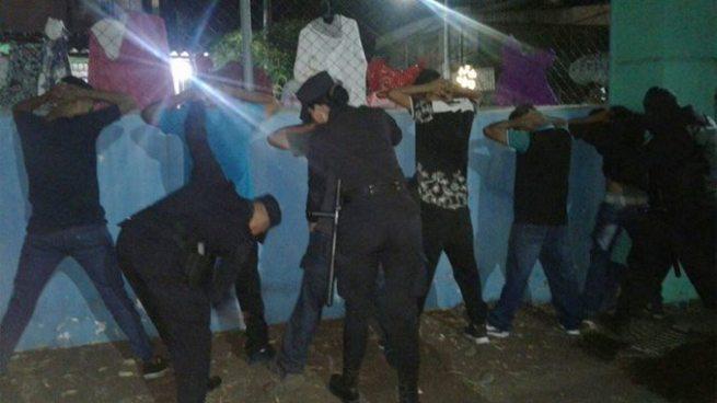 Capturan a 3 sujetos que habían robado 10 celulares durante el carnaval de San Miguel