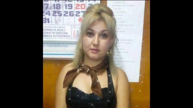Capturan en Santa Ana a mujer acusada por el delito de tráfico de personas