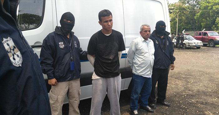 PNC captura a dos sujetos que huyeron hacia EE.UU luego de asesinar a dos personas