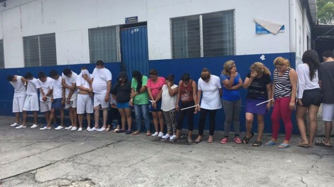 Policía captura en Mejicanos a 18 miembros de pandillas