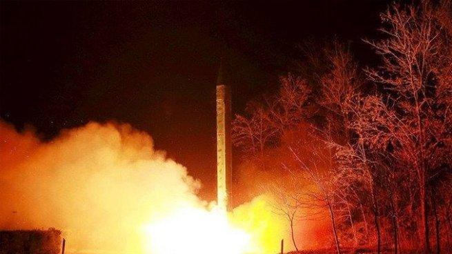 Corea del Norte lanza misil que sobrevoló por Japón