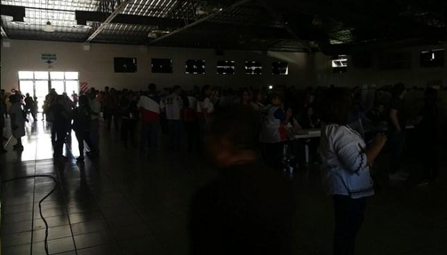 Reportan cortes de energía eléctrica en el centro de votación del CIFCO