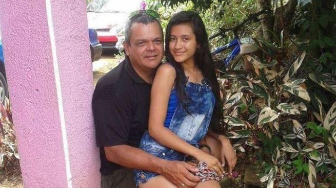 Jefe de Tránsito mató a su compañera sentimental de 19 años frente a sus padres en Costa Rica