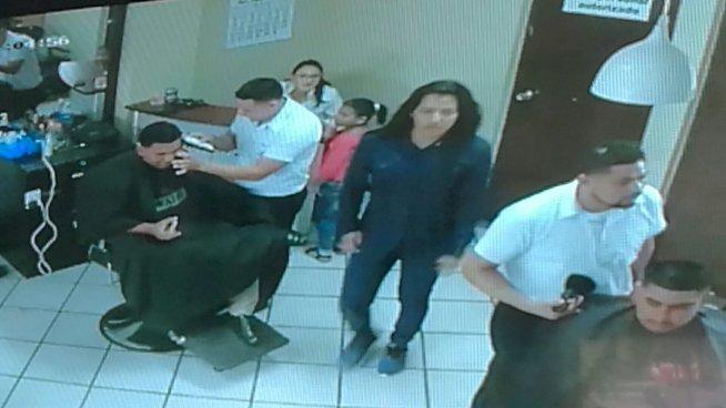 Travestí obliga a una niña a robar en un centro comercial de Usulután