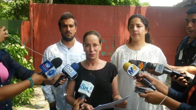 La viuda del expresidente Flores asegura que propiedades incautadas son herencia