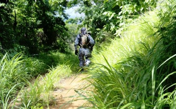 Cabecilla de una clica abandona fusil AK47 al huir de una patrulla en San Juan Opico