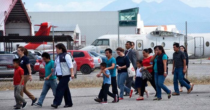 Juez federal de Estados Unidos detiene la deportación de familias reunificadas