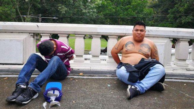 PNC captura a un pandillero y a un hombre que regresaba de comprar droga de la Tutunichapa