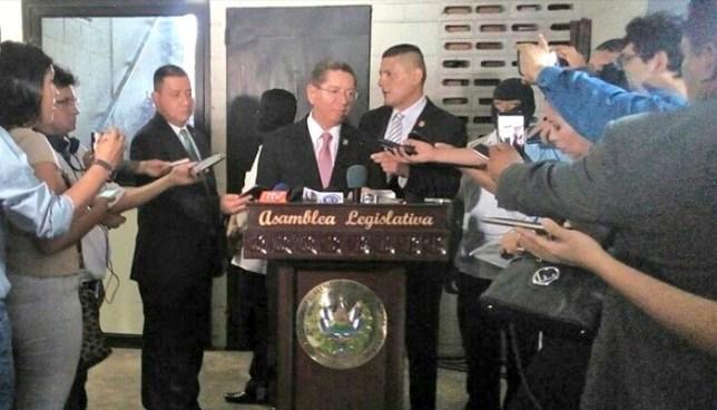 Fiscal respalda solicitud de extensión de medidas extraordinarias a los centros penales