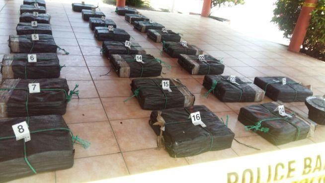 Fuerza Naval incauta paquetes de droga valorados en más de 12 millones de dólares