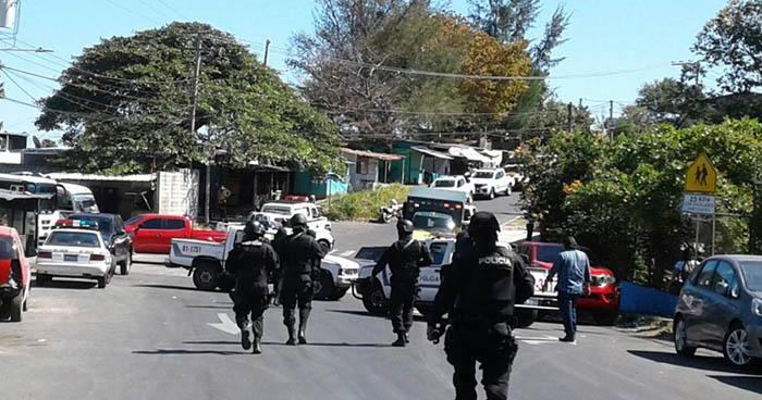 Muere pandillero que disparó contra una patrulla de la PNC en la colonia Vista Bella de San Salvador