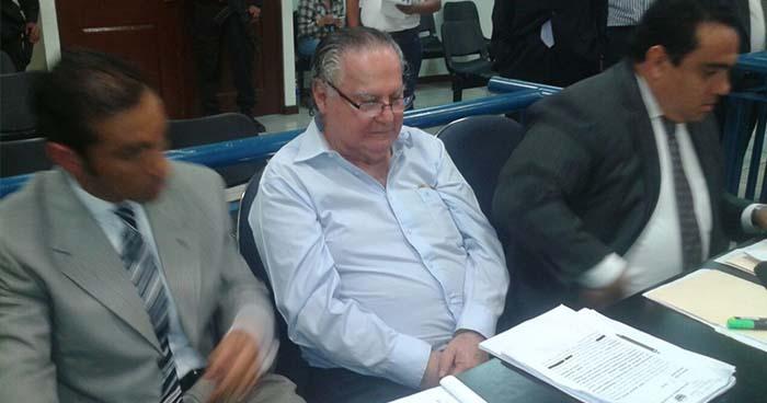 Envían a juicio a Eduardo Interiano, exministro de Salud acusado de agredir sexualmente a una menor