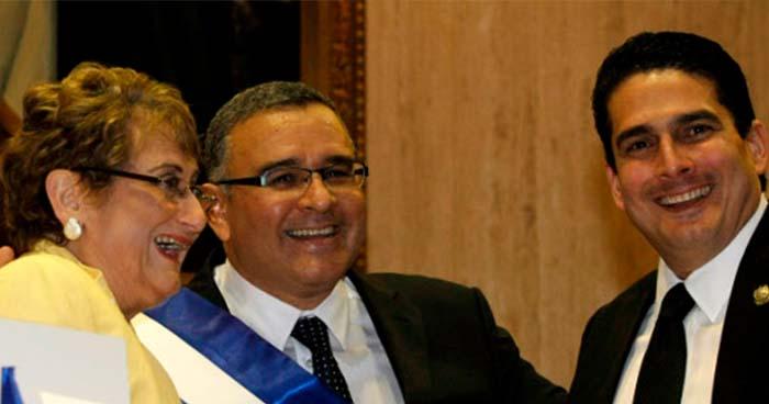Expresidente Funes pagó sobresueldos a diputados a cambio de favores