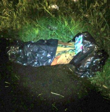 Localizan cadáver envuelto en sábanas en Soyapango