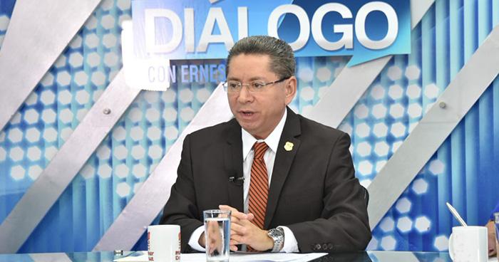Fiscal general afirma que narcos buscan asesinarlo cuando termine su período