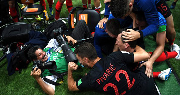 Fotoperiodista salvadoreño fue parte del festejo de los jugadores croatas
