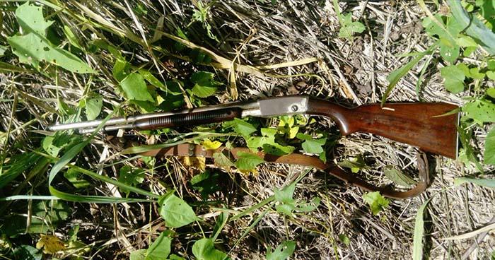 Incautan fusil que fue abandonado en un predio de la colonia Costa Rica de San Salvador