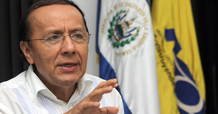 "Exministro de Obras Públicas se refugia en México por ""persecución política"""