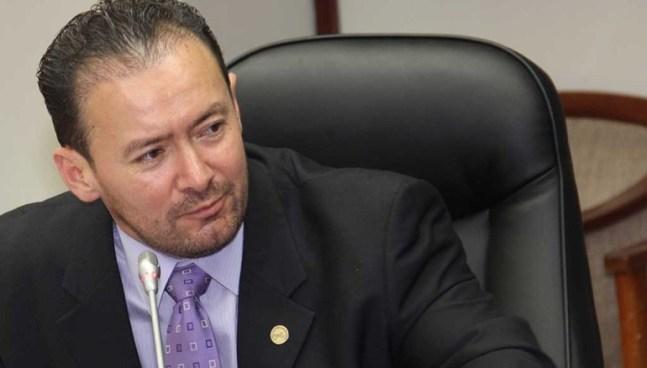El diputado Guillermo Gallegos dijo que GANA no apoyará el sistema