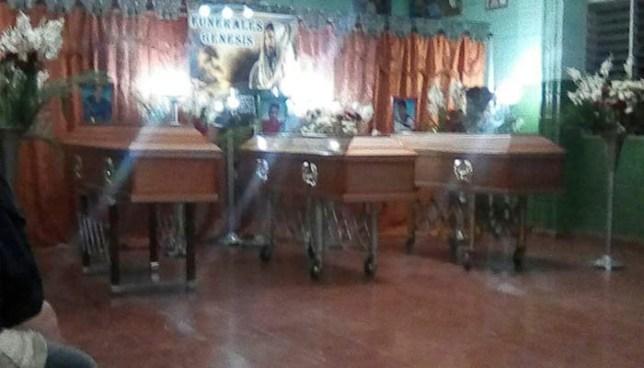 Cadáveres encontrados en fosa en Santa Ana son de tres hermanos desparecidos