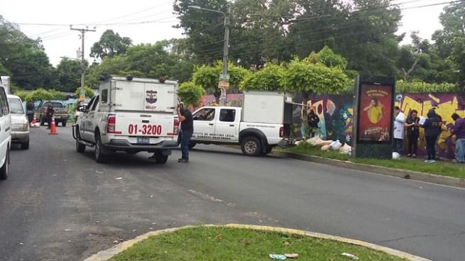 Desconocidos matan a un hombre y abandonan su cadáver en el Bulevar Tutunichapa