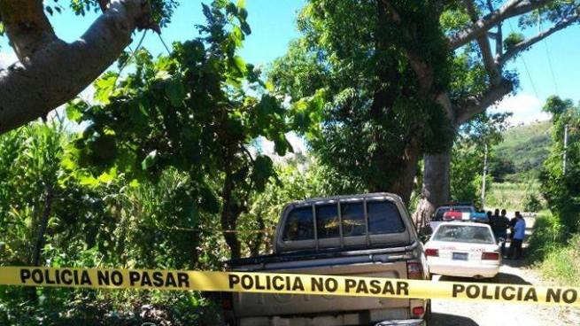 Localizan el cadáver de un delincuente al interior de un cañal en Apastepeque