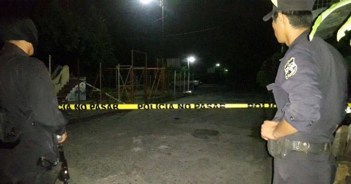 Asesinan a balazos a hombre en una cancha de básquetbol en Apopa