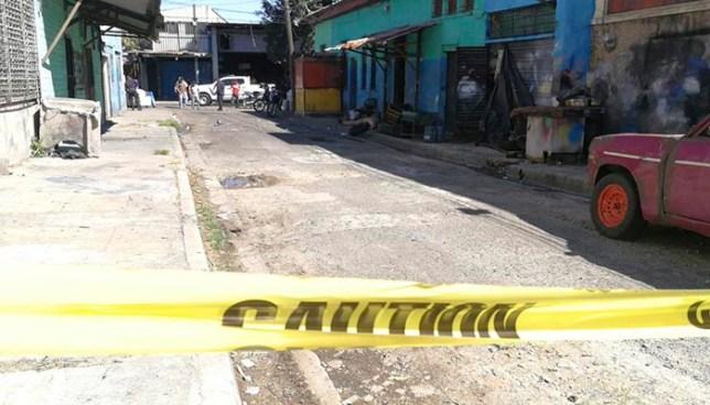 Criminales matan a dueño de llantería en el centro de San Salvador