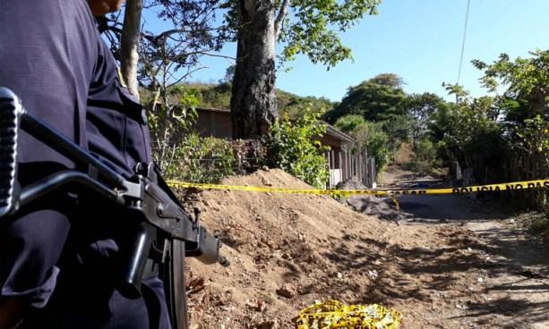 Seis delincuentes acribillaron a balazos a un vigilante de un centro escolar en Lolotique, San Miguel
