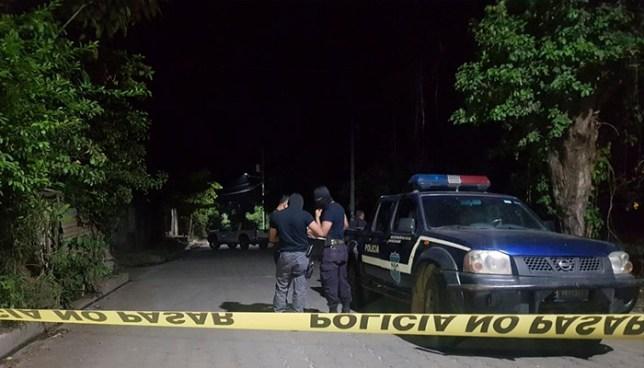 Sujetos a bordo de una motocicleta matan a balazos a un hombre en El Tránsito