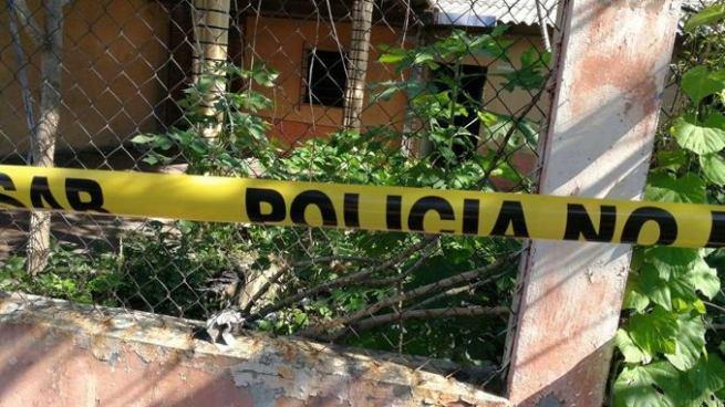 Asesinan a un hombre dentro de una casa abandonada en San Miguel