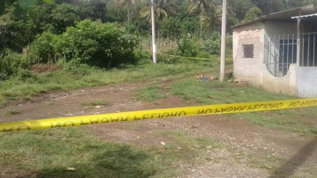 """Pandilleros matan a hombre que se negó a pagarles la """"renta"""" en La Libertad"""