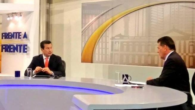 Canciller Hugo Martínez esperará decisión sobre TPS para anunciar si competirá por la presidencia del país