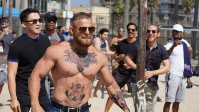 Imitador de Conor McGregor causa furor en las calles de Los Ángeles