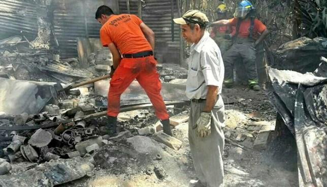 Incendio reduce a cenizas la vivienda de una pareja de ancianos en San Marcos