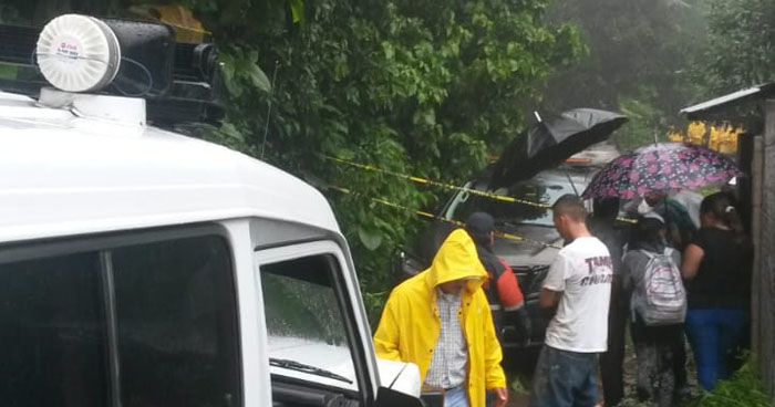 Joven muere soterrada luego que alud de tierra cayera sobre su casa en La Libertad