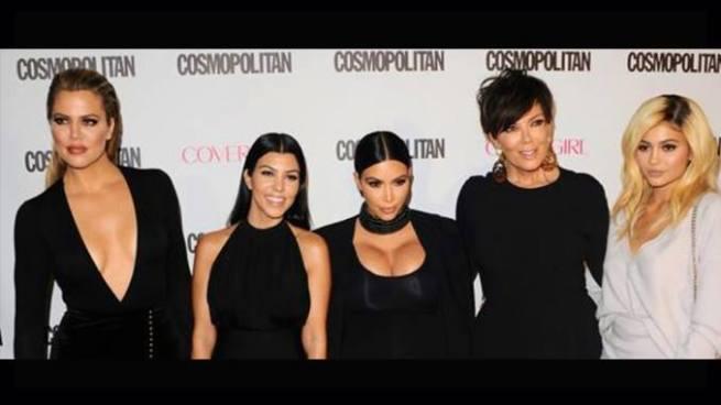"""Las Kardashian donan 500 mil dólares a las víctimas de """"Harvey"""""""