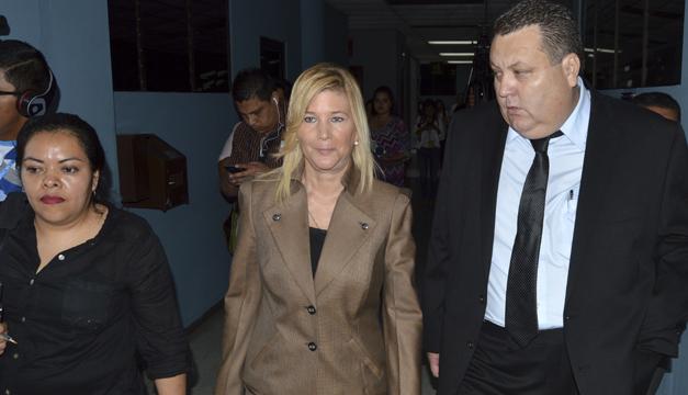 Ordenan libertad para Ana Ligia de Saca
