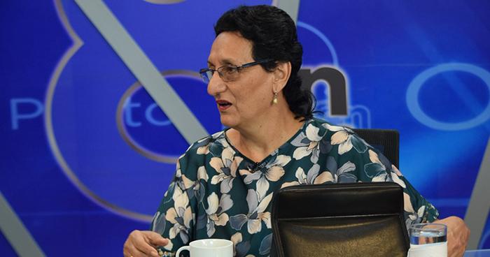 Lorena Peña reta al fiscal Douglas Meléndez a investigar a todos los miembros del FMLN