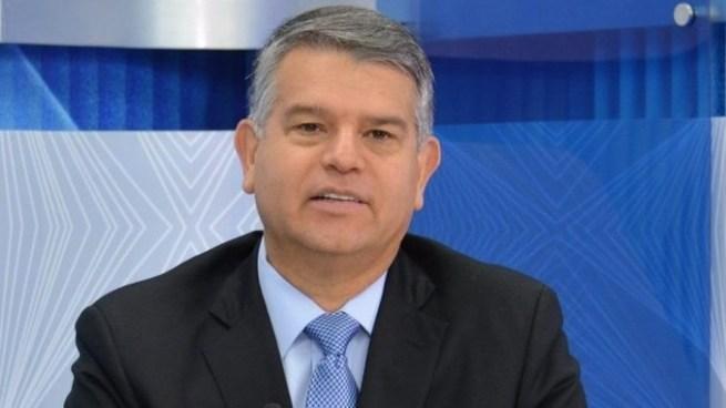 Luis Parada renuncia a su candidatura presidencial por ARENA