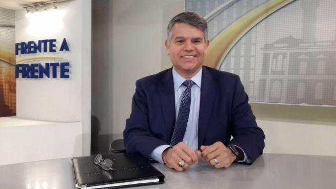 Luis Parada tercer precandidato que buscará la presidencia con ARENA