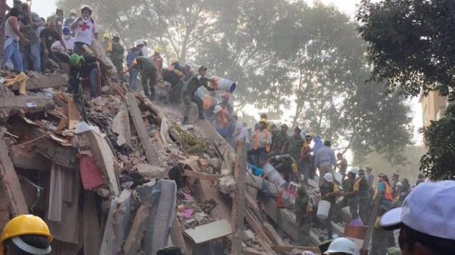 Decretan 3 días de luto nacional en México por las víctimas del terremoto