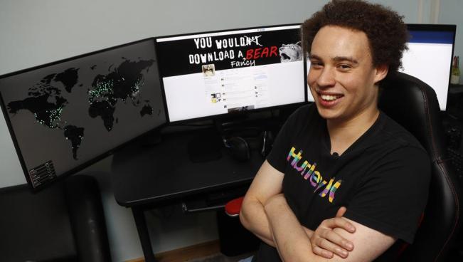 Joven de 22 años le pone freno al ciberataque