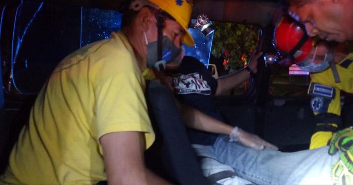Cinco lesionados tras choque en Avenida Masferrer Norte
